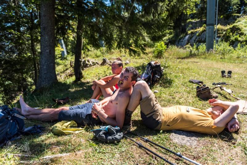 Pause Casse-croute / Sieste En Haut De La Station De Ski Des Rousses