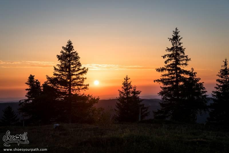 Coucher De Soleil Sur Le Jura Depuis Le Refuge De La Loge