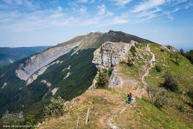 Sur le chemin des crêtes du Jura entre le Crêt de la Neige et Menthières